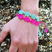 Lureme®Colorful Four Leaf Clover Lace Bracelet (Random Color)