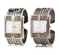 Alloy Band Quartz Bracelet Watch For Women Cool Watches Unique Watches Fashion Watch
