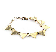 Do The Old Retro Triangle Rivets Spiked Bracelet B23