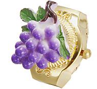 Unisex Grape Muster Zifferblatt Gold Legierungs-Quarz-Analog-Ring-Uhr
