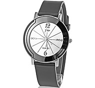 Women's Simple Round Dial Rubber Band Quartz Analog Wrist Watch (Assorted Colors) Cool Watches Unique Watches