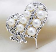 Versilbert Perlen-Herz-Brosche