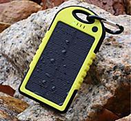 5000mAh lampe de poche solaire Trois épreuvage externe jaune Batterie pour appareils mobiles avec porte-clés