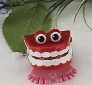 Springen Zähne Wind-up-Spielzeug (zufällige Farbe)