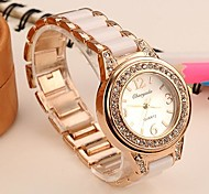 Women's Fashion Alloy Analog Quartz Wrist Watch (Assorted Colors)