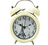 Quartz Analog Alarm Clock (Beige, 1xAA)