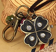 Unisex Vintage Lucky Flower-Shaped Round Dial Leather&Alloy Quartz Necklace /Keychain Watch Green Patina (1Pc)