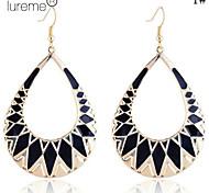 Lureme®Waterdrop Shape Enamel Triangle Earrings
