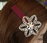 The Lady is Hollow-out Flower Hairpin