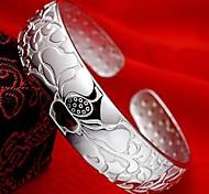 Ms. romantic flower bracelet