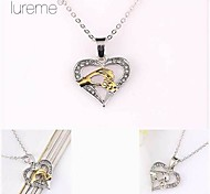 Lureme® Fashion Crystal   Heart-Shaped Two-Tone Big Hand Hold Little Hand Pendant Mother's Day  Gift Alloy Necklace