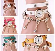 Women Vintage Leather Strap Watches,Set Auger Rivet Bracelet Women Dress Watches(Assorted Colors)
