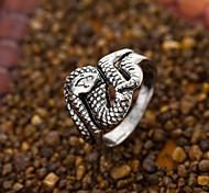 Lureme® Vintage Fashion Man's Titanium Steel Snake Shape Band Rings