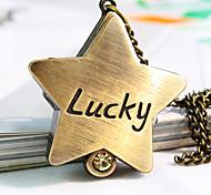 nouvelle forme de diamant pentagramme de femmes chanceux montre collier de motif montre de mode de quartz de la montre de la chaîne Pull