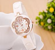 relógios das mulheres 2015 nova flor forma pulseira de relógio de quartzo acrílico diamante