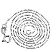 WH  Woman Silver Box Necklace