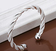 Twisted shape silver bracelet