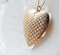 The Explosion Of Creative Fashion Watch Short Female Moire Heart Box Necklace