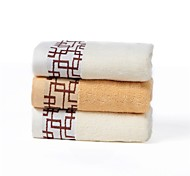 3 Pieces Full Cotton Bath Towel Set(1 Bath Towel, 2 Hand Towels)  Plaid Pattern Super Soft With Gift Package