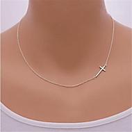 Naisten Tyttöjen Riipus-kaulakorut Cross Shape Sterling-hopea Metalliseos Sivuttain pukukorut Korut Käyttötarkoitus Party Päivittäin
