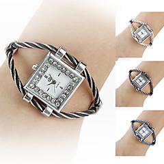 Women's Silver Watchcase Style Steel Analog Quartz Bracelet Watch (Assorted Colors) Cool Watches Unique Watches