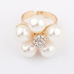 Kullattu metalliseos Pearl kukkakuvio Ring