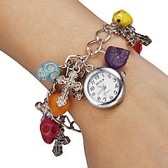 Blanco de la Mujer Dial Pattern Skull reloj pulsera de cuarzo analógico