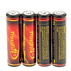 TrustFire 3000mAh 18650 Battery (4 kpl) kanssa Ylilataus suoja