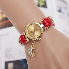 Women's Fashion Diamond Moon Star Pendant Quartz Watch(Assorted Colors)