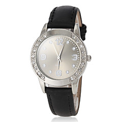 Women's Round Dial PU Band Quartz Wrist Watch