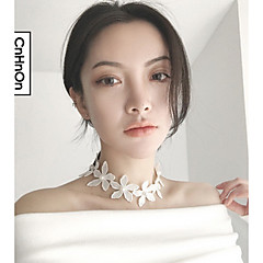 Necklace Choker Necklaces Jewelry Daily / Casual Fashion / Sexy Alloy / Lace Black-White 1pc Gift