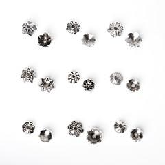 beadia 325pcs vegyes 9 stílus&méretek antik ezüst ötvözetből gyöngy sapka fém virág távtartó gyöngyök
