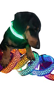 Kediler / Köpekler Yakalar LED Işıklar / Ayarlanabilir/İçeri Çekilebilir / Elektronik/Elektrik / Şarj Edilebilir Mat SiyahKırmızı / Yeşil
