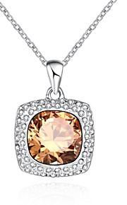 Dame Kort halskæde Halskædevedhæng Krystal Kvadratisk Zirconium Firkantet form Geometrisk formØkologisk glas Krystal Kvadratisk Zirconium